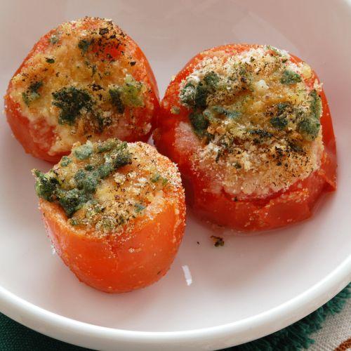 Tomates gratinados: una guarnición ligera y exquisita
